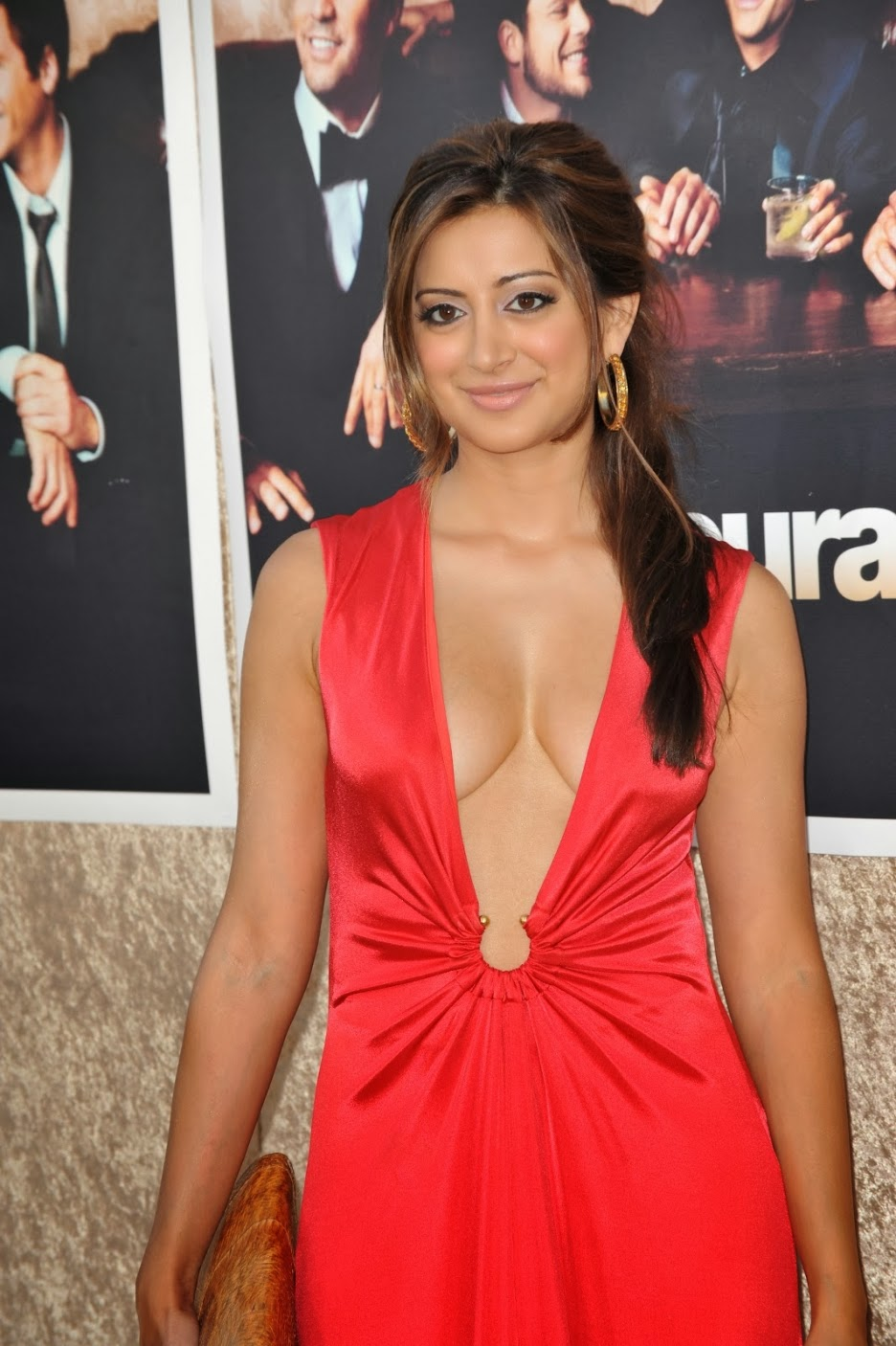 Noureen Dewulf Is Ryan Miller's Wife Smokin Hot | Photos