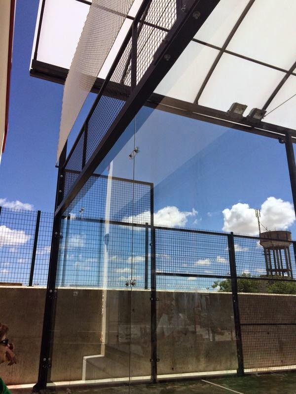 Cerramientos y cubiertas de pistas de padel cerramientos for Piscinas picornell padel