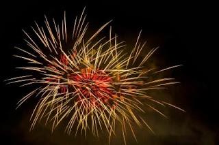 Frases De Feliz Año Nuevo: AMOR Que Lo Primero Que Recibas En Este Nuevo Año Sea Mi Gran Abrazo