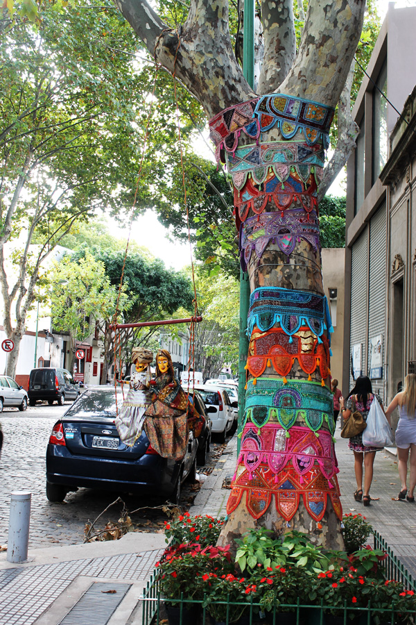 M A L V E S T I D A Un Jueves En B Aires