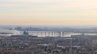 photo of Duluth harbor