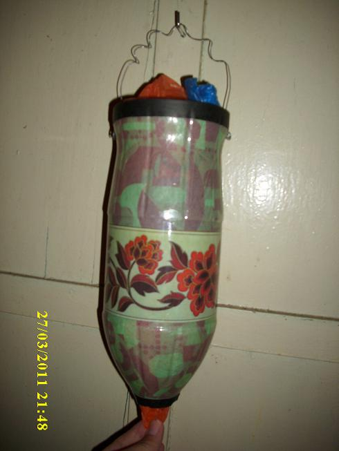 Artesan as costura reciclados etc marzo 2011 - Organizador de bolsas de plastico ...