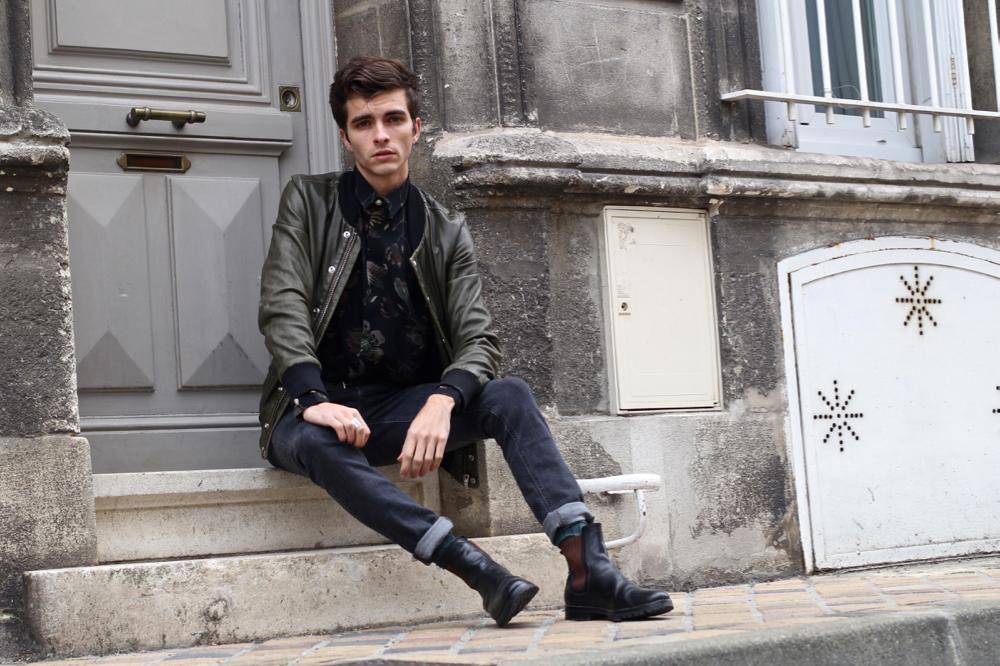 BLOG-MODE-HOMME_Dandy-Romantic-Luisaviaroma-versus-versace-chemise-soie_blouson-cuir-iro-dries-van-noten-chelsea-boots-skinny