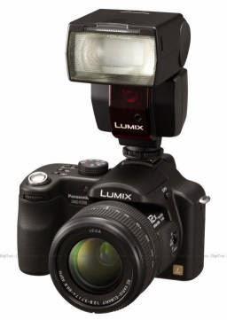 "<img src=""panasonic.jpg"" alt=""Everyday Compleet Fotograaf  afbeelding van digitale camera."">"
