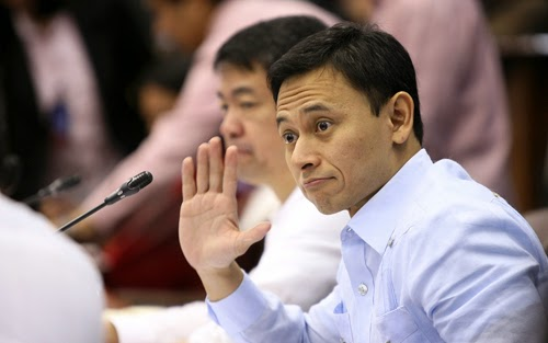 Senator Sonny Angara backs salary increase for teachers
