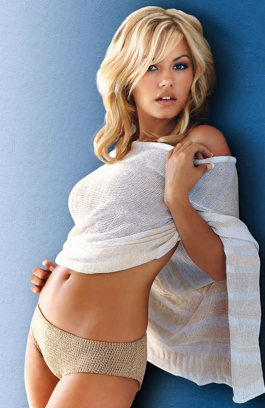 We Love Women Elisha Cuthbert