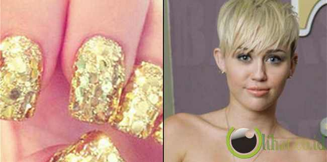 Miley Cyrus, Sequin Emas