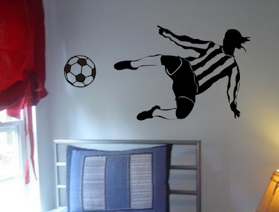Interior design decorating ideas soccer or football theme for teen boys bedroom ideas - Soccer murals for bedrooms ...