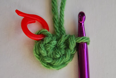free crochet pattern no sew rosette round 1