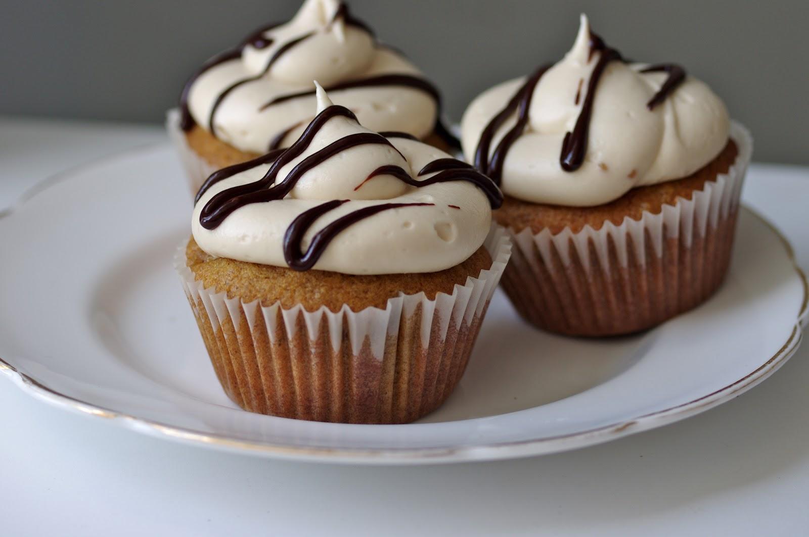 The Cupcake Suite: October Pumpkin Cupcakes