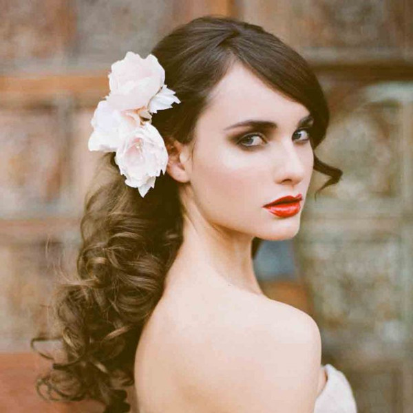 Wedding Hairstyle All Down : Bride in dream elegant bridal hairstyles for your big day