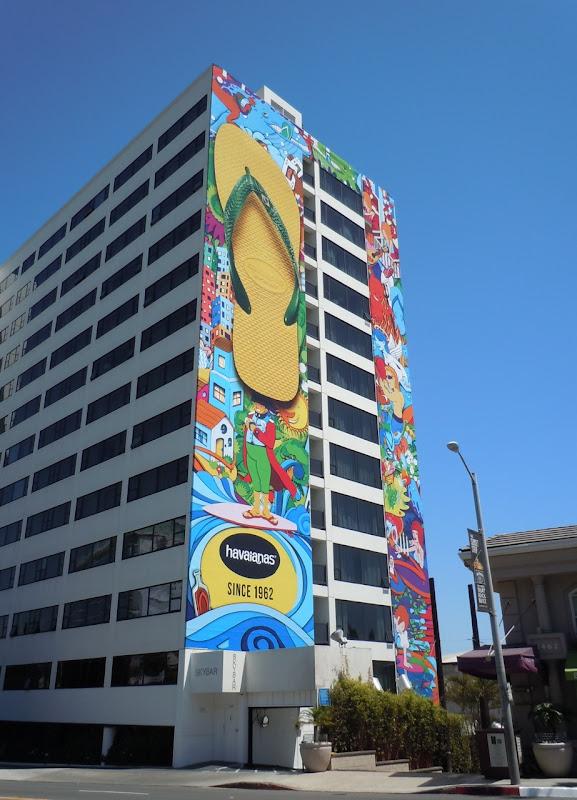 Giant Havaianas flip-flops billboard