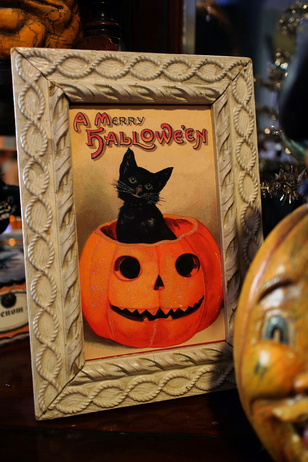 Sunday View: Vintage Halloween Decorations and Creations
