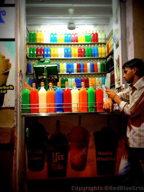 Shop of ice-gola maker near marine drive, Mumbai