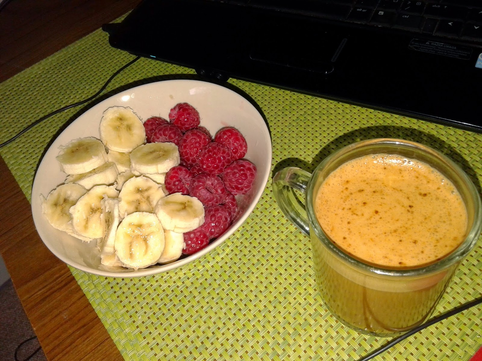 II śniadanie, owoce, kawa, coffee, fruits,