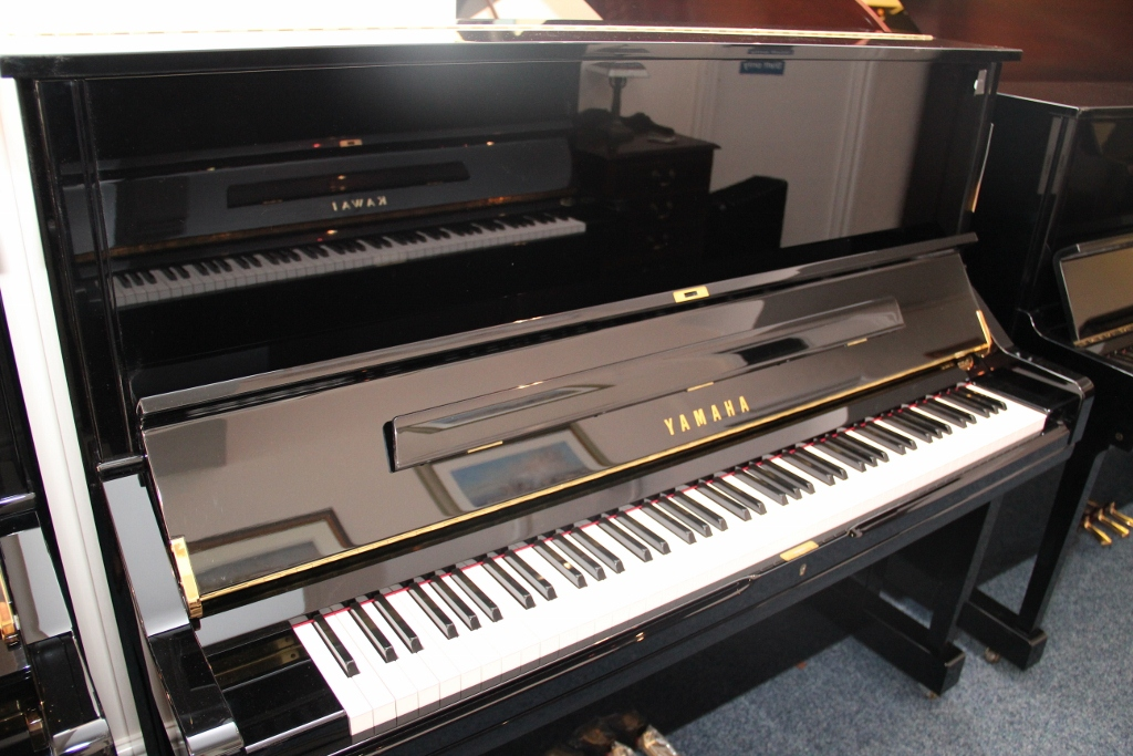 New and used yamaha pianos for sale yamaha uprights for Piano yamaha price list