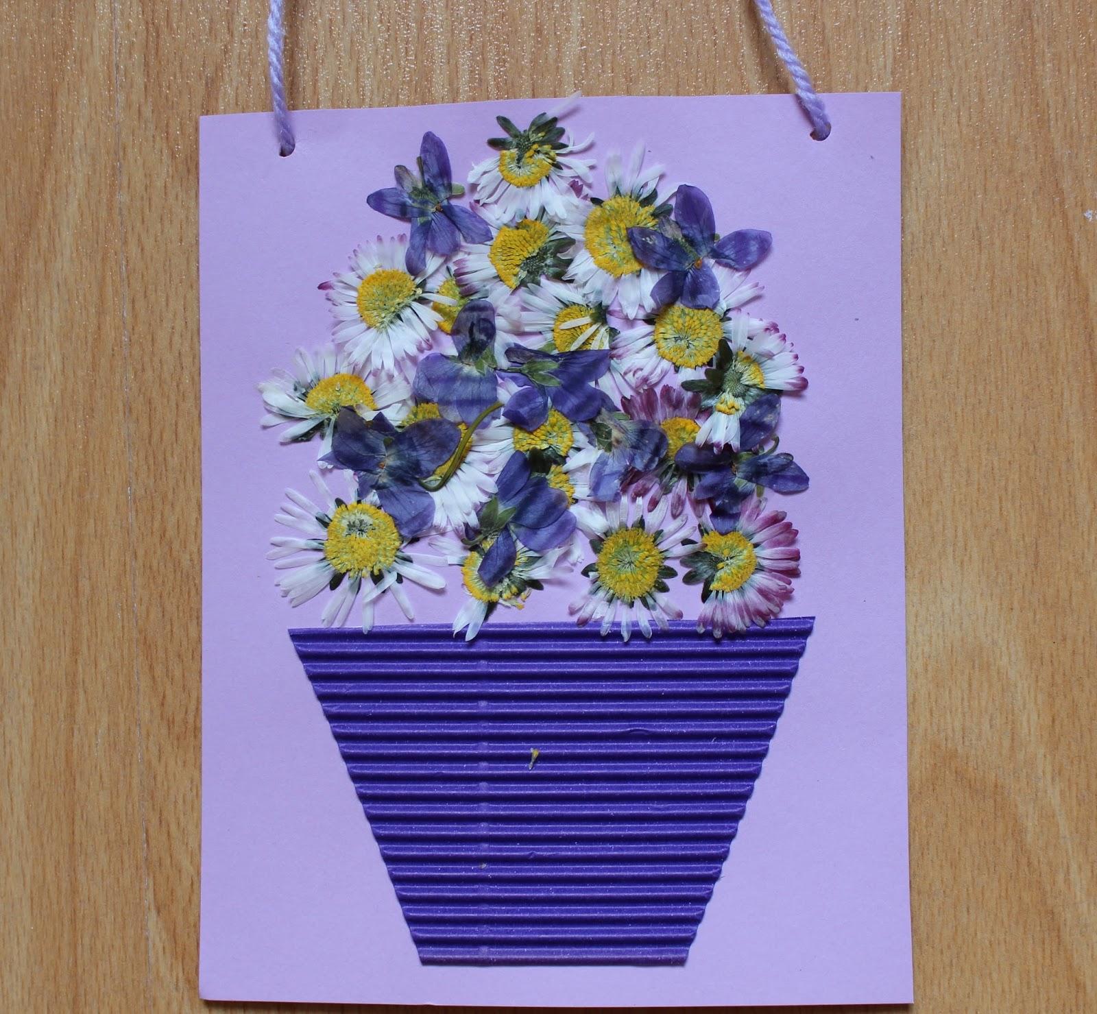 Mamma gioca il quadretto biglietto con i fiori secchi for Fiori di cartoncino