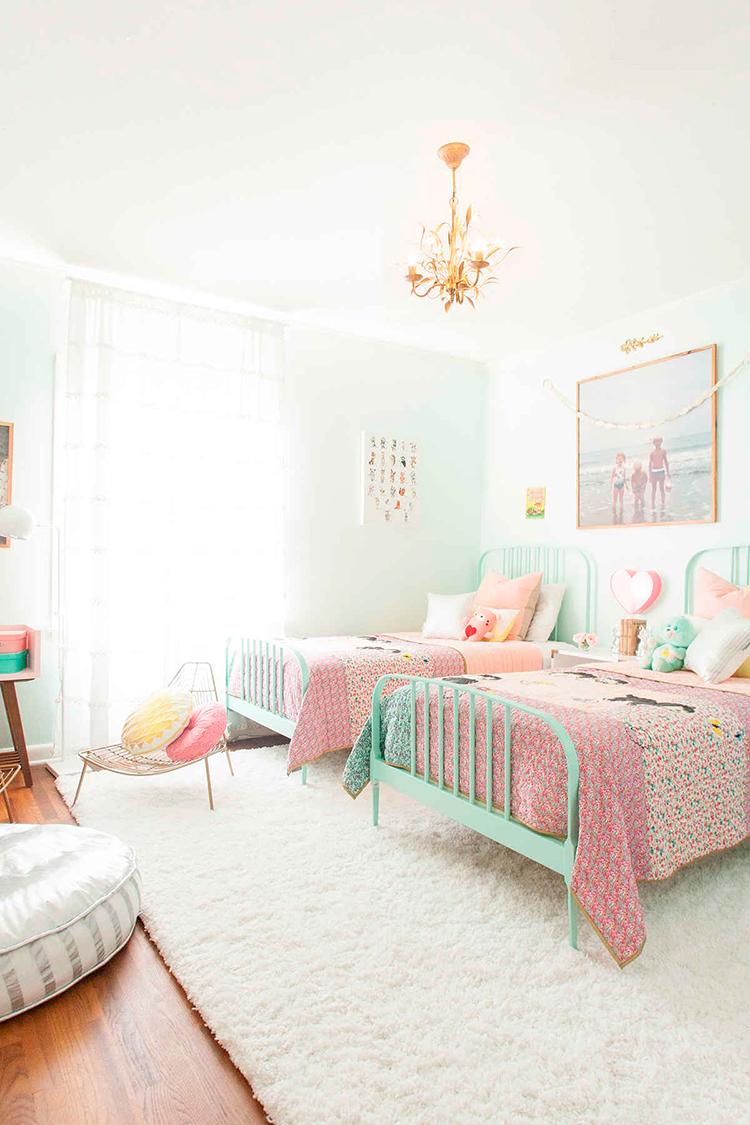 Una habitaci n azul para dos ni as alquimia deco for Reglas de mi habitacion