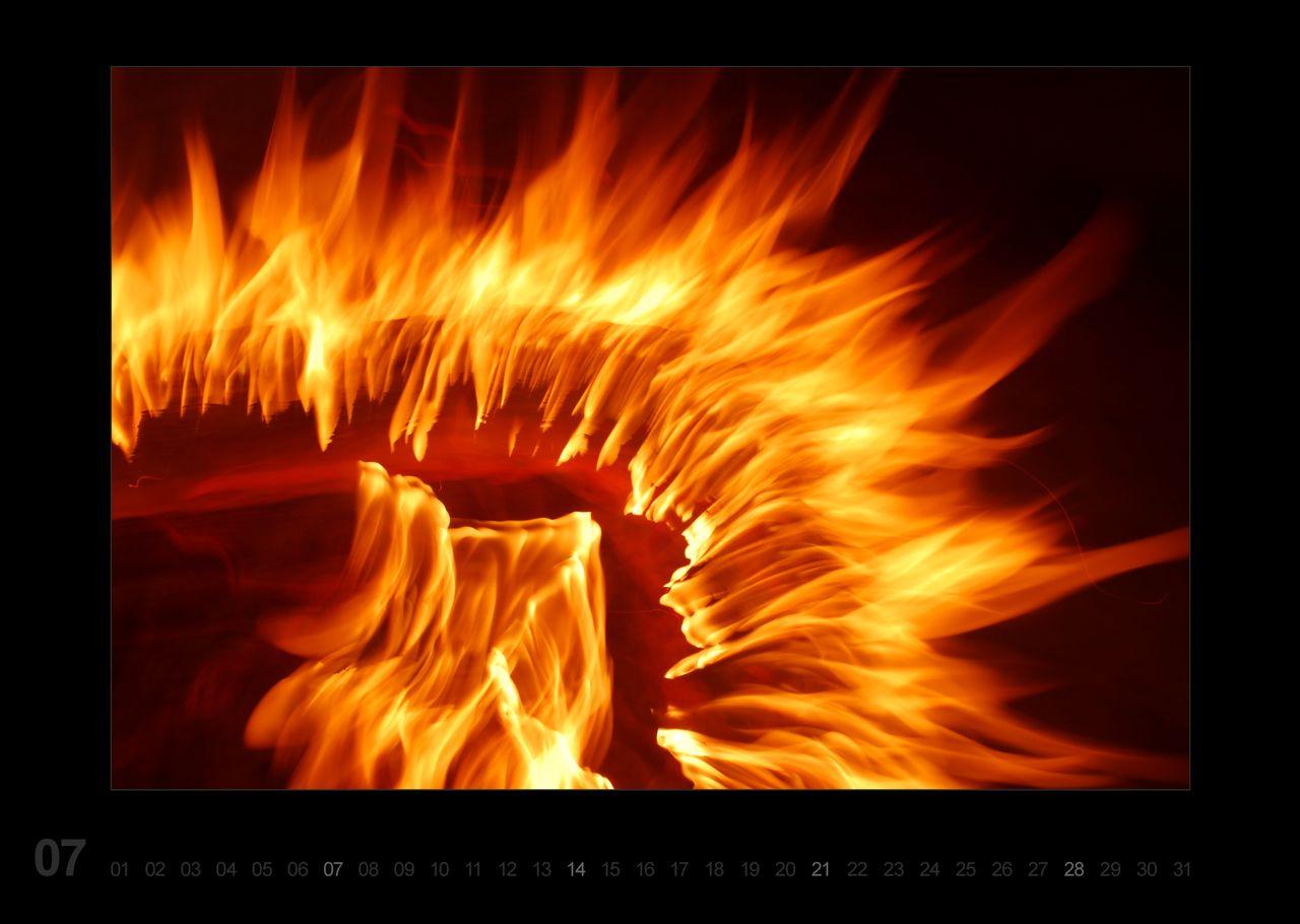 kunstschn ppchen feuer und flamme f r 2013. Black Bedroom Furniture Sets. Home Design Ideas