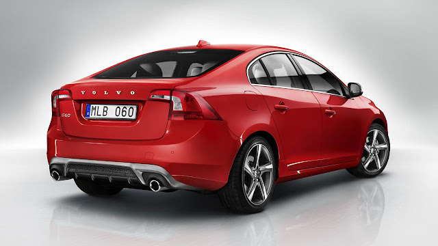 Volvo S60 R-DESIGN back
