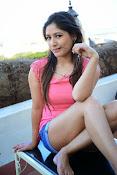 Prabhajeet Kaur Glamorous Photo shoot-thumbnail-40