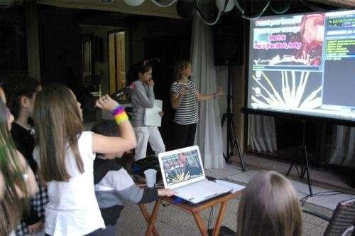 Colecci n de juegos organiza tu propio karaoke para una inolvidable velada - Karaoke en casa ...