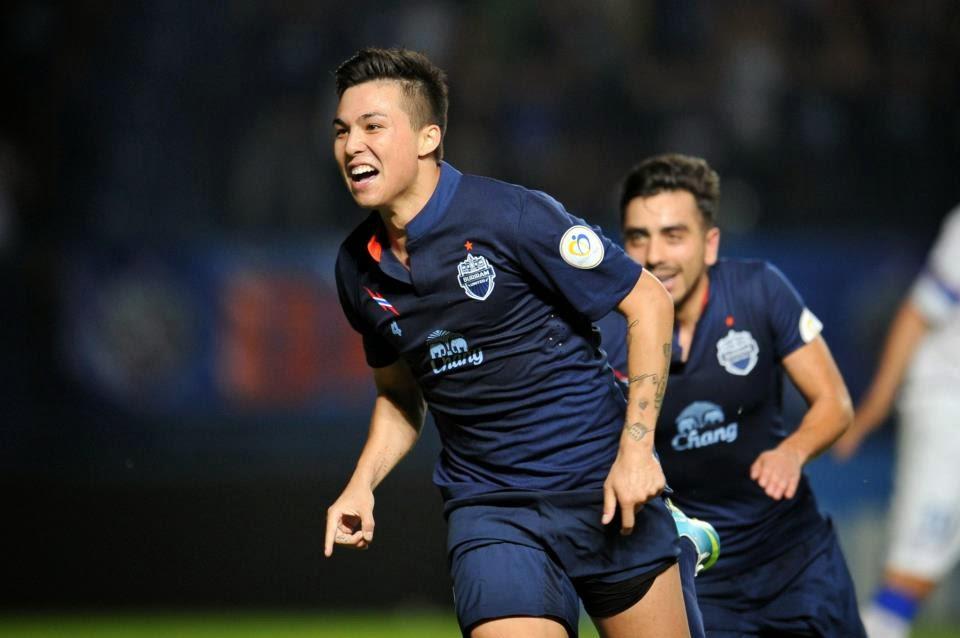 Bunmathan mencetak gol dan merayakan gaya CR7