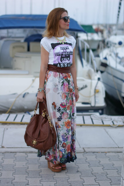 summer look, boho look, Fashion and Cookies, dress code tee, maxi floral skirt