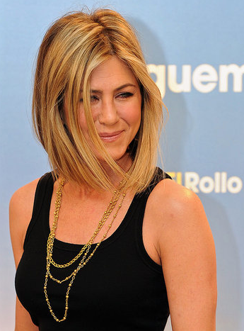 jennifer aniston new hair 2011. jennifer aniston new haircut