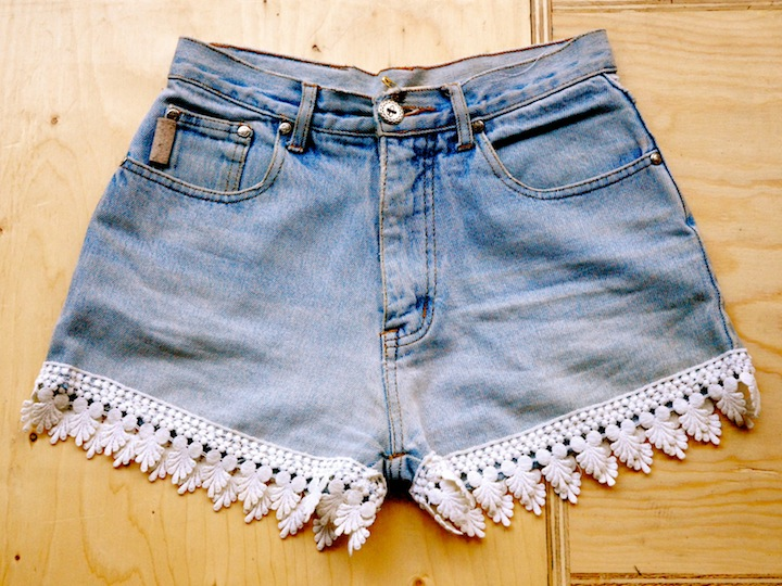 DIY Lace Trim Shorts — Crafthubs
