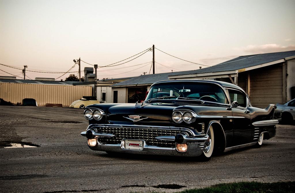 Ruote Rugginose 1958 Cadillac Coupe De Ville