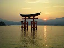 renzi, fatti una nuotata in Giappone!