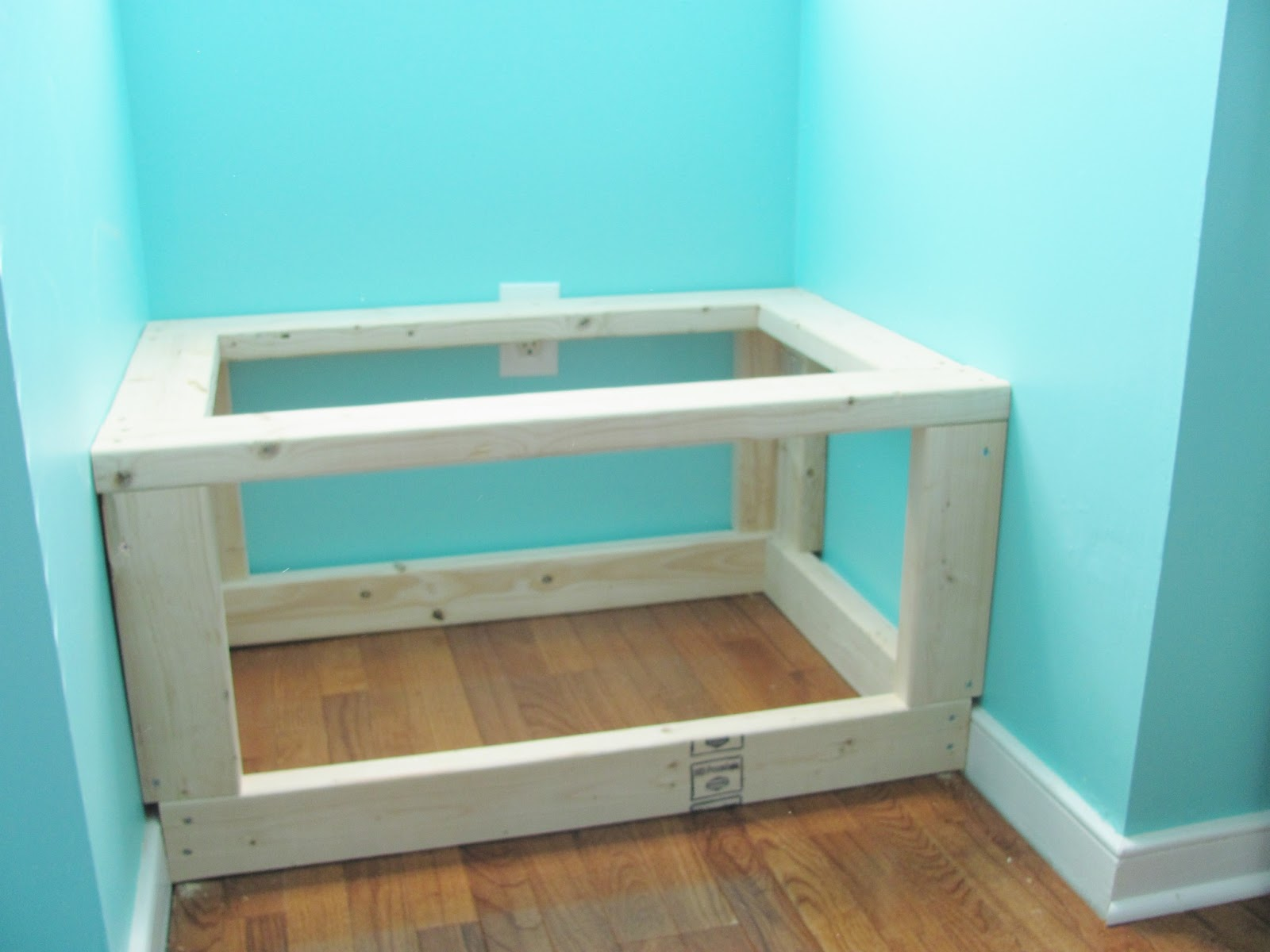 Silver lining decor diy built in window seat and storage - How to build a window bench ...
