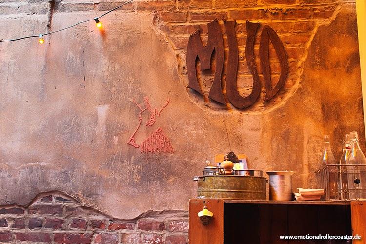 MUD Café