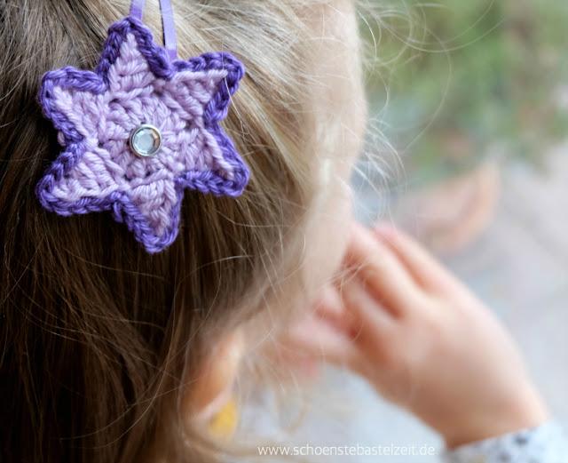 Sternen-Spangen fürs Haar - eine Ratz-Fatz-Idee von (c) www.schoenstebastelzeit.de