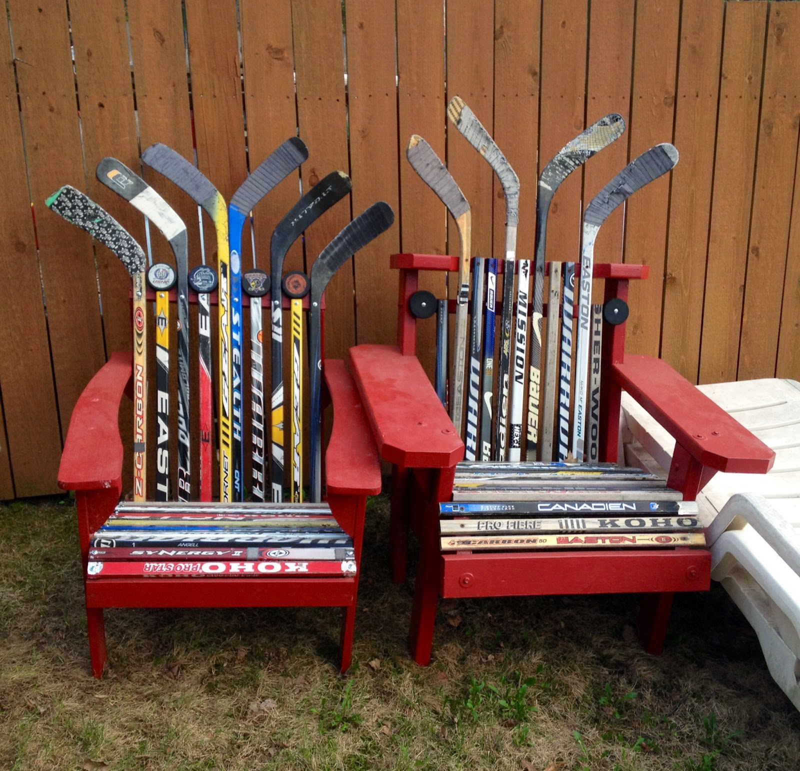 DIY chair made of hockey sticks