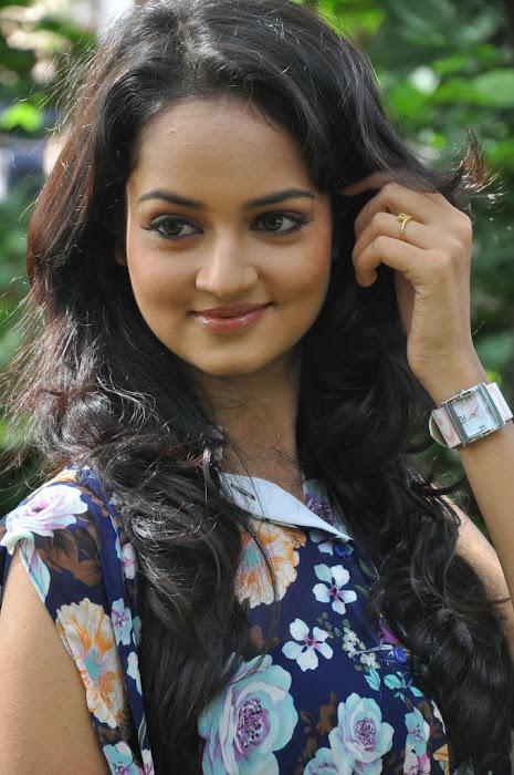 shanvi spicy actress pics