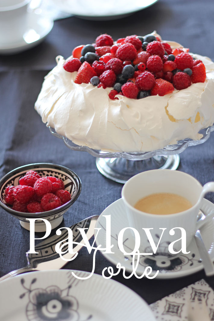 Amalie loves Denmark Pavlova-Torte