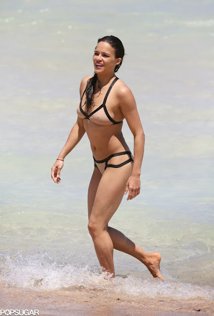 Emily Proctor Bikini 90