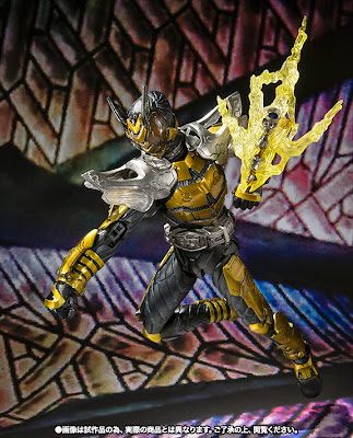 Bandai SIC Kamen Rider Kabuto - Kamen Rider The Bee Figure (Tamshii Exclusive)