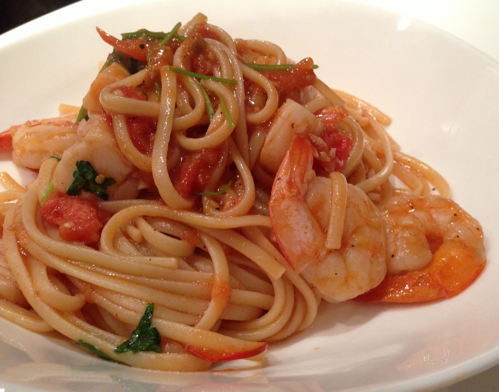 Shrimp linguine in a tomato and white wine sauce recipe for Prawn and spaghetti recipe