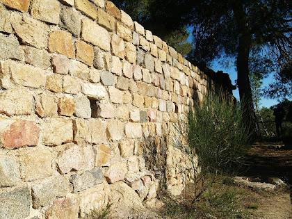 Muralla del cantó sud del Castell Vell de Llinars