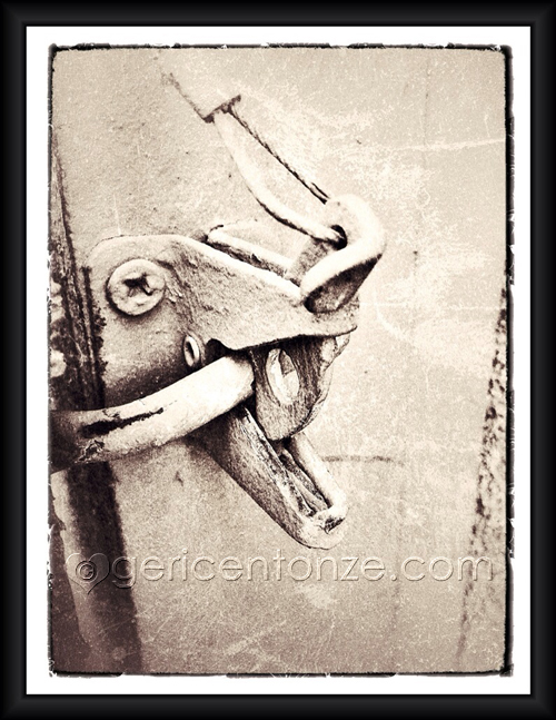 iphoneography grungy garden gate latch