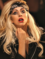 Mother monster (L)