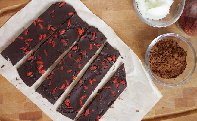 Raw Dark Chocolate with Goji Berries - Mito-E