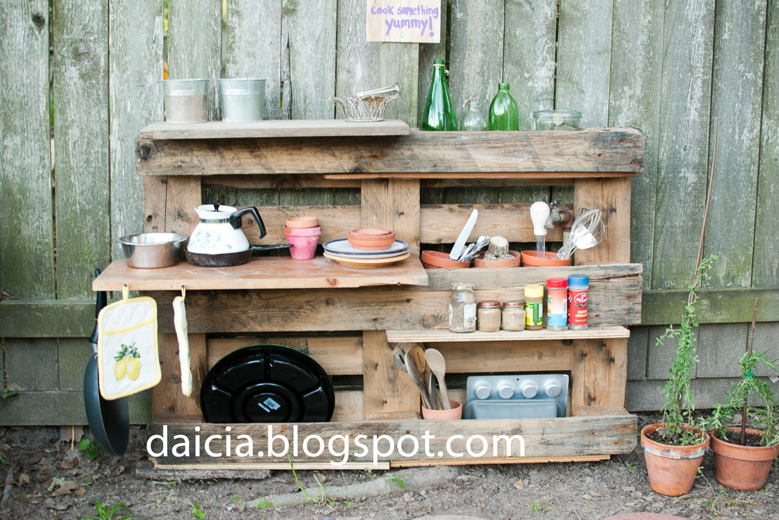 Kitchen Cabinets Made of Pallets