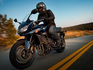 Gambar Motor 1 | Yamaha FZ1 2013