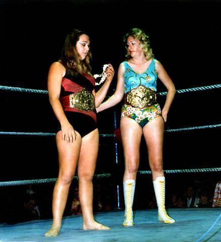 Womens Pro Wrestling Barefoot Women Wrestlers