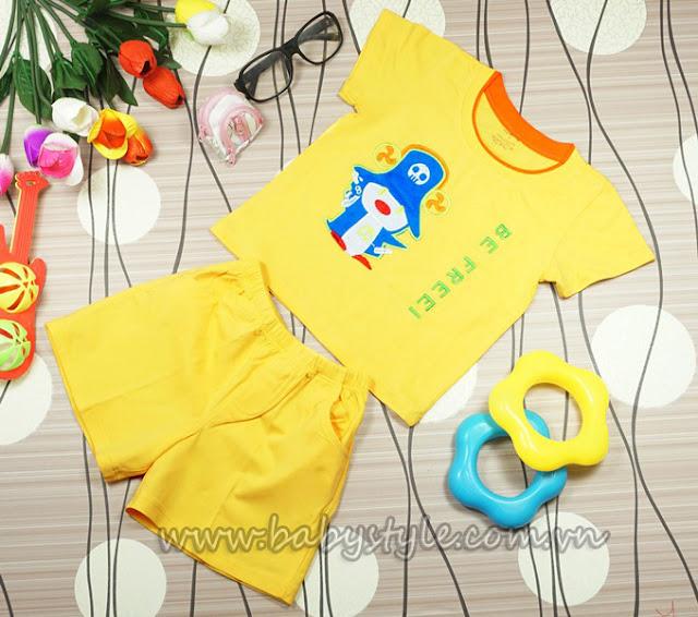 Đồ bộ in hình chim cánh cụt siêu cute màu vàng dành cho bé gái