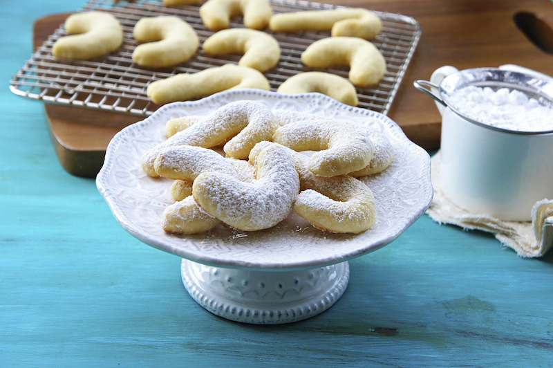Lemon Cookies have a wonderful lemon and almond flavor. The cookies ...